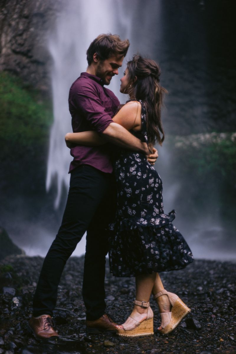 Engagement shoot at Latourell Falls | Trung Phan Photography
